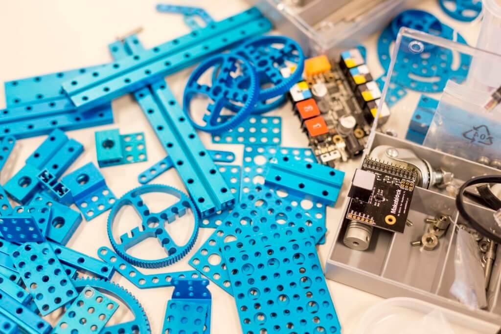 Bauteile für selbstgebauten Roboter